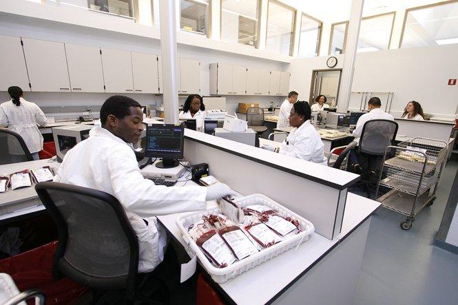 Tecnica per l'utilizzo di sangue congelato, rimozione rapida del glicerolo rivoluzionerà i centri trasfusionali