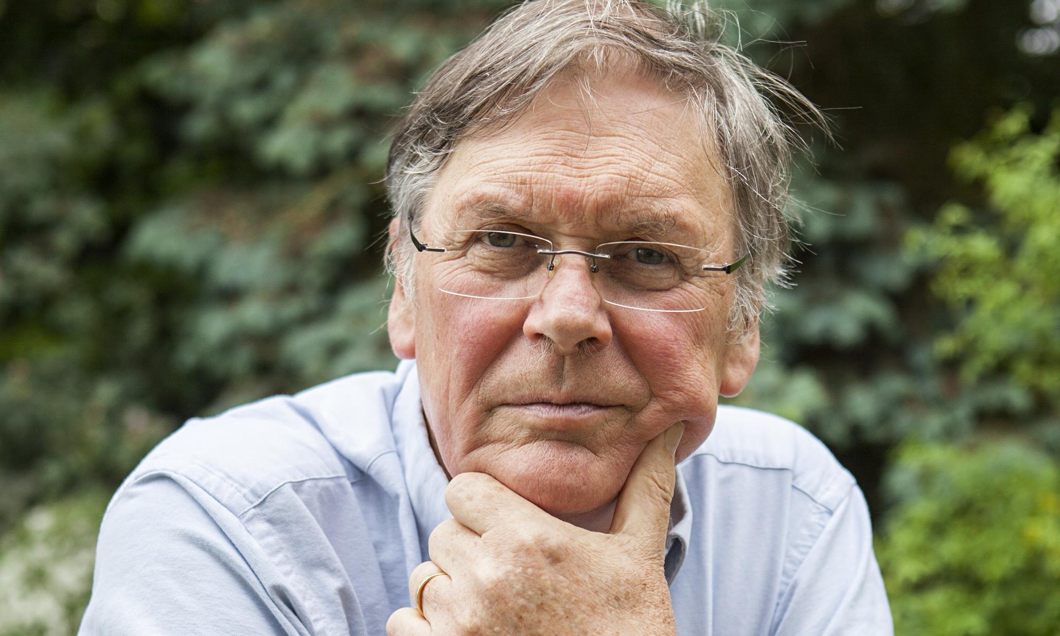 Tim Hunt, premio Nobel licenziato per le sue dichiarazioni sulle donne, racconta la sua versione